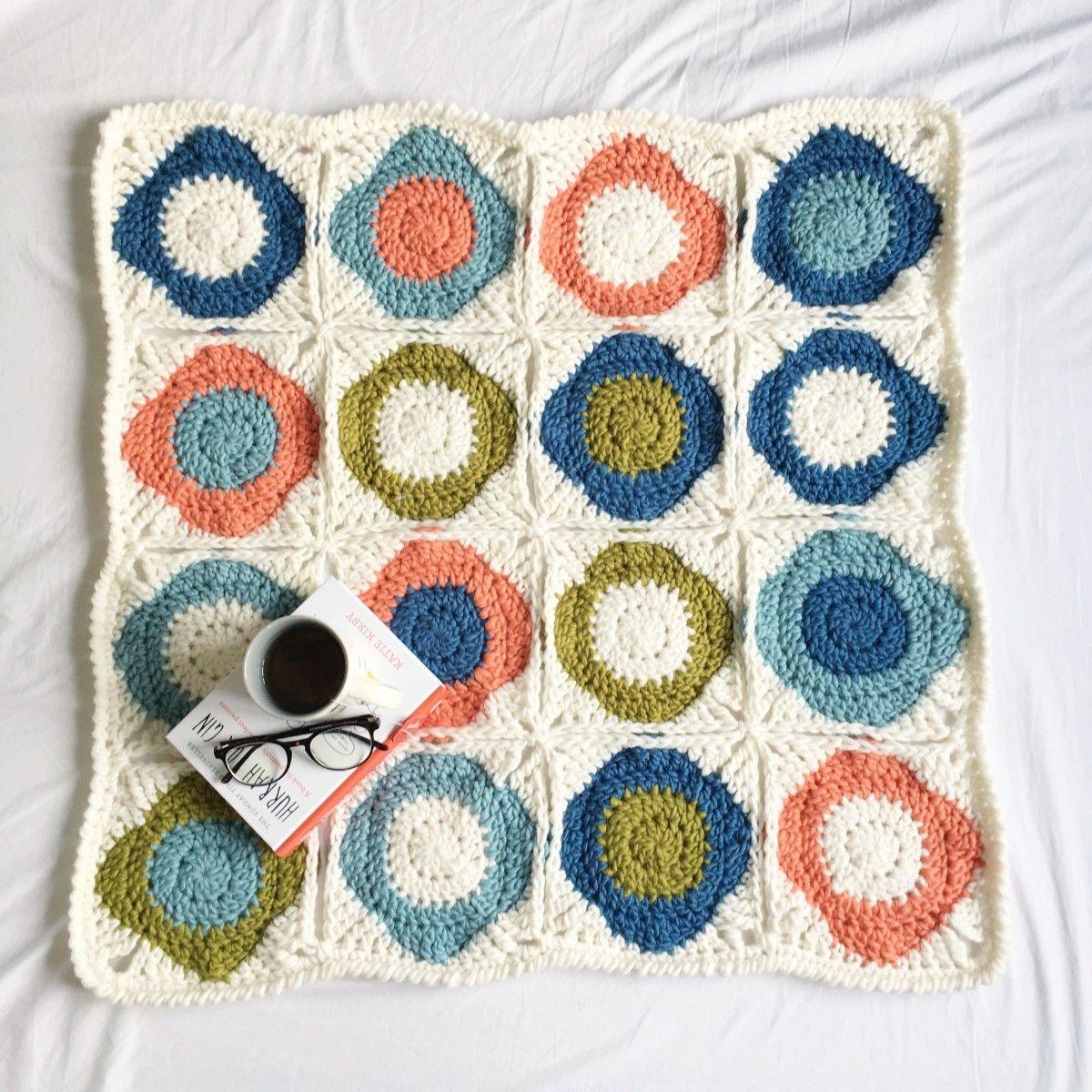 How To Make An Atomic Flower Blanket | Pinterest