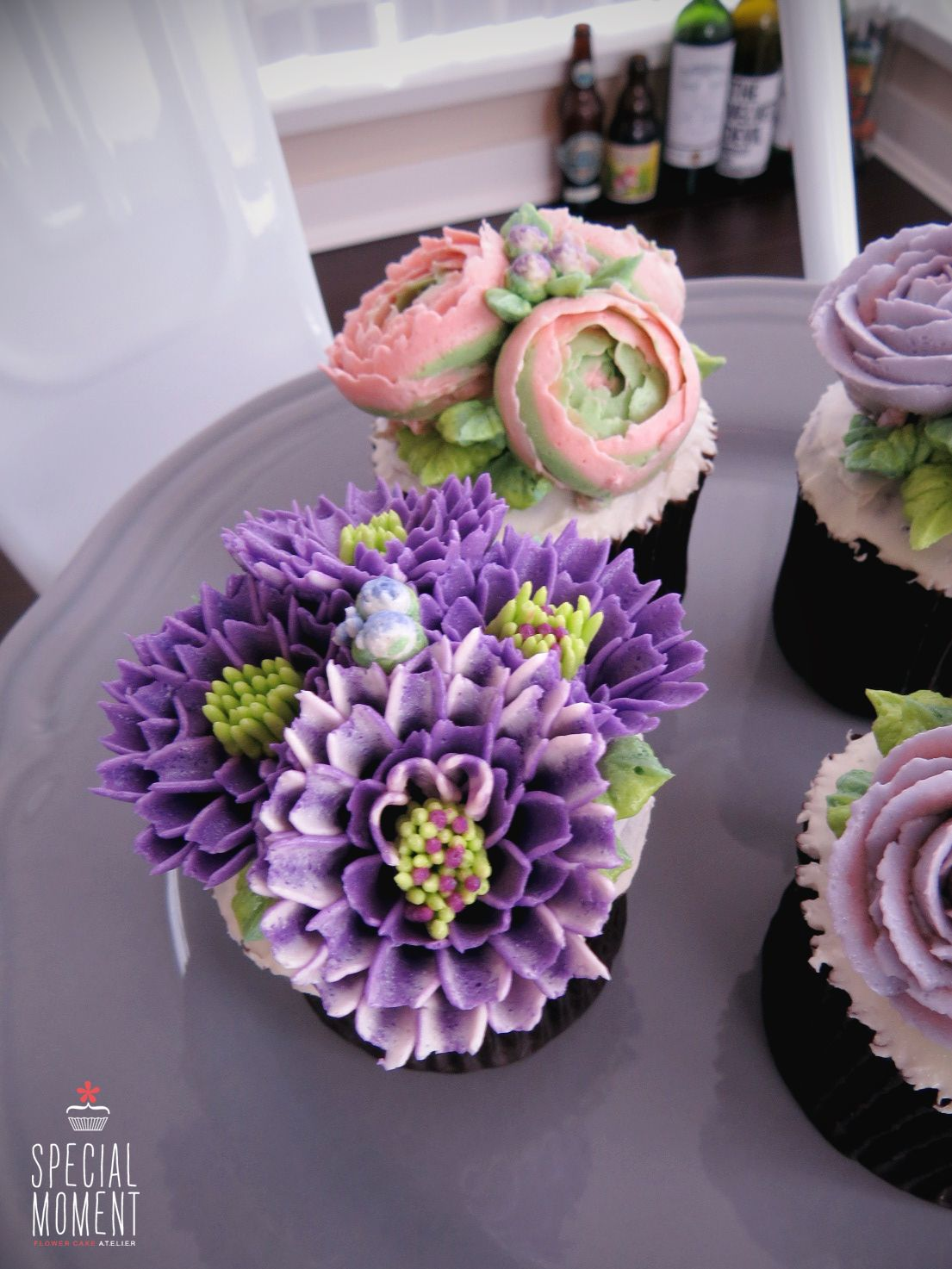 +Choco chocolate flower buttercream cupcake for mother's birthday/butter cream cake/cupcake decorating tips ... made by SPECIAL MOMENT