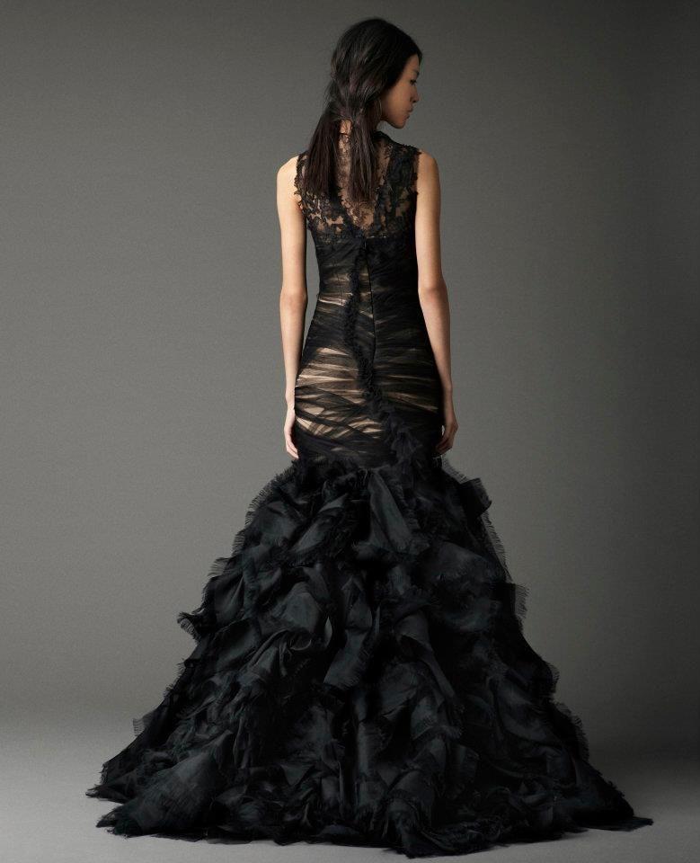 Vera Wang, back view | Black wedding