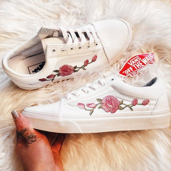 8b5acbfd93d7f Rose Buds Pink/Wht Unisex Custom Rose Embroidered-Patch Vans Old ...