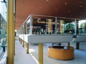 Das Arne Jacobsen Foyer Vermietungen Service Aktuelles Herrenhausen Hannover De Skandinavische Architektur Architektur Beruhmte Architekten