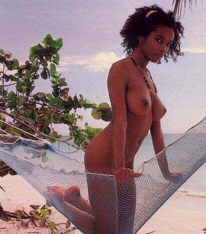 naked-caribian-girl