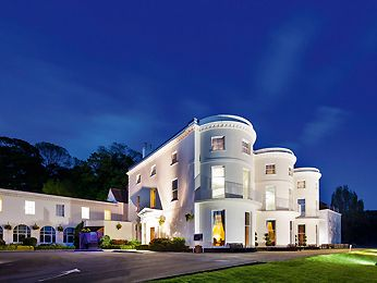 Mercure Gloucester Bowden Hall Hotel Is Conveniently Located In The Por Upton St Leonards Area Offers Guests A Range Of Services And