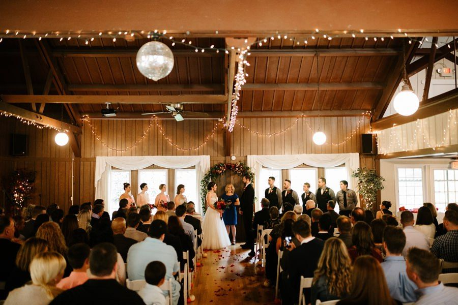 An Indoor Wedding At Laurelhurst Club An Affordable Portland Wedding Venue Right Next To Laurelhurst Portland Wedding Venues Portland Weddings Indoor Wedding