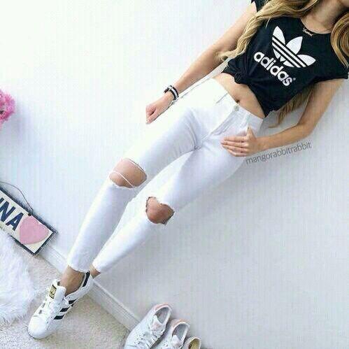 baa783b3e25 Calça branca+cropped adidas+Tênis adidas