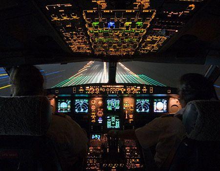 Landing At Night Cockpit View Kinda Whoa Photgraphy Airplane