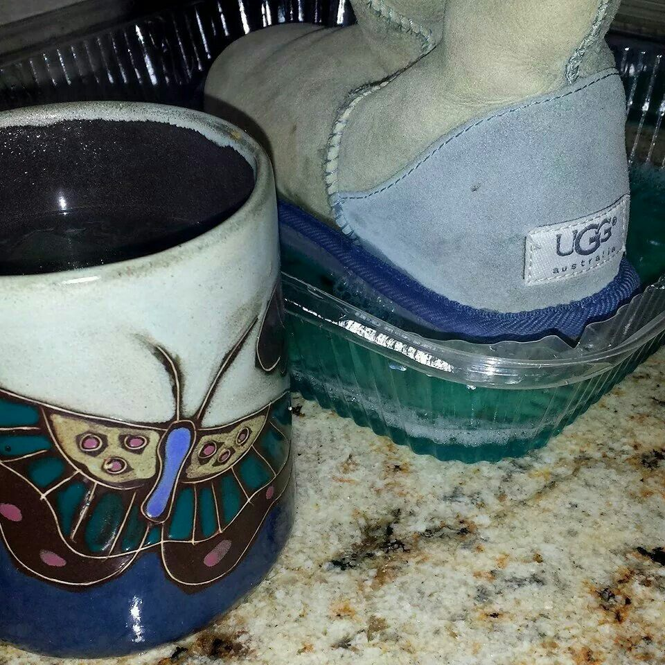 A Little Diy Tar Removal From The Good Ole Uggs While Enjoying Some Lemongrass Tea The Hazards Of Vacationing On A Beach Lemongrass Tea Uggs Dawn Dish Soap
