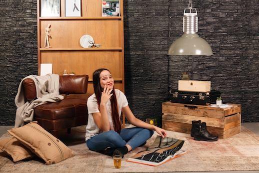 Os deseamos un feliz #martes con una novedad que nos encanta: la #lámpara Oncle-Phillipe. Colgante y de estilo industrial, tiene una apariencia robusta y un toque contemporáneo. http://ow.ly/YgBY302h2SO