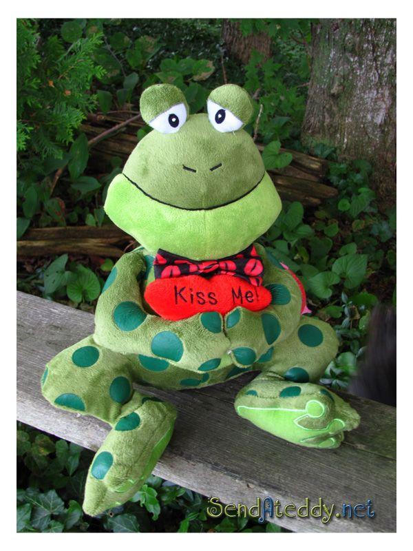 Kiss Me - Frog #sendateddy http://goo.gl/SrJ46r
