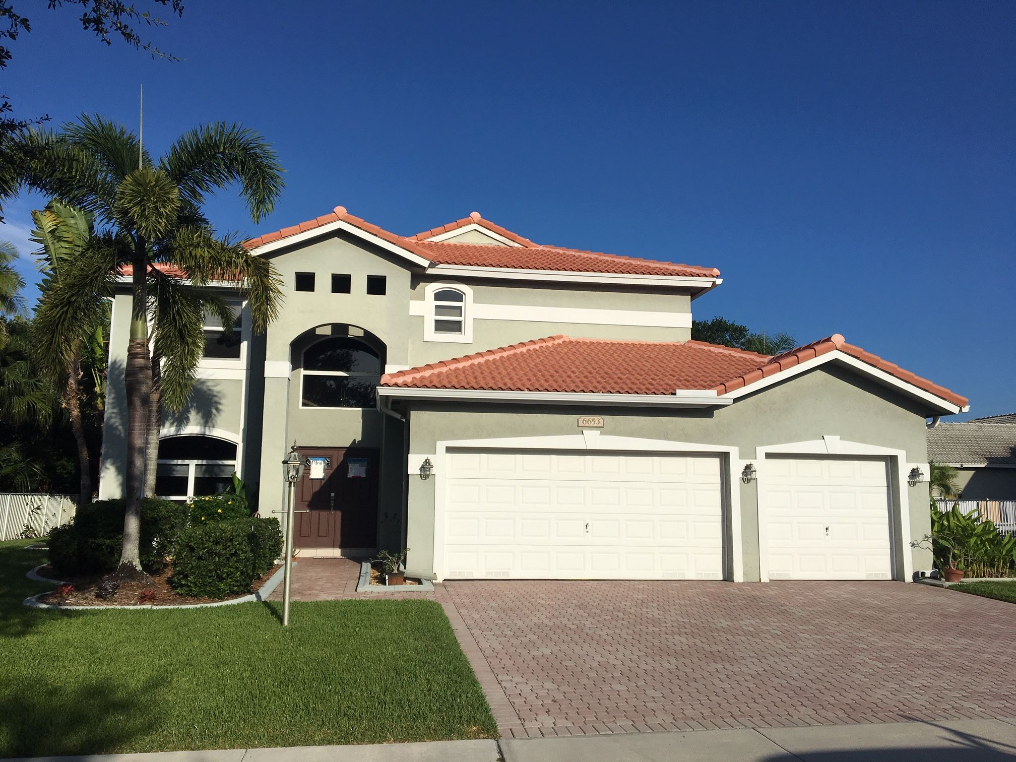 Best Boral Estate S Concrete Roof Tile In Salmon Color Southfloridaroofing Boralrooftiles 400 x 300