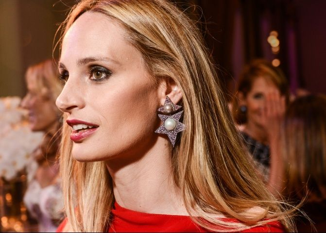 Lauren Santo Domingo in JAR earrings