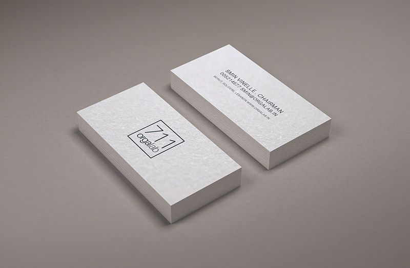 clasic free business card mock