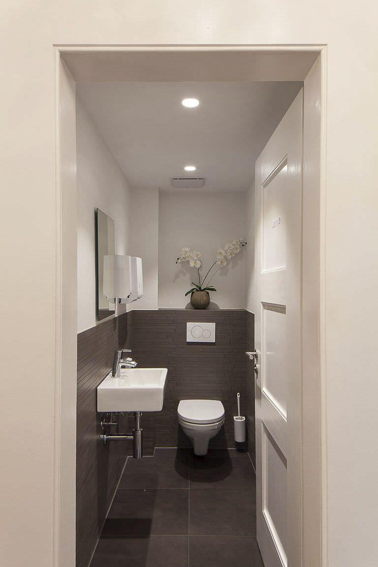 Badezimmer ideen über toilette guest bathroom   h o m e   pinterest  badezimmer gäste wc und bad