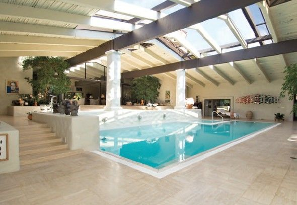Indoor pool? I think yes!