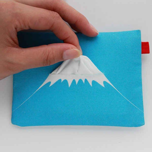 The perfect tissue dispenser during the winter. | 31 Mind-Blowing Examples of Brilliant Packaging Design