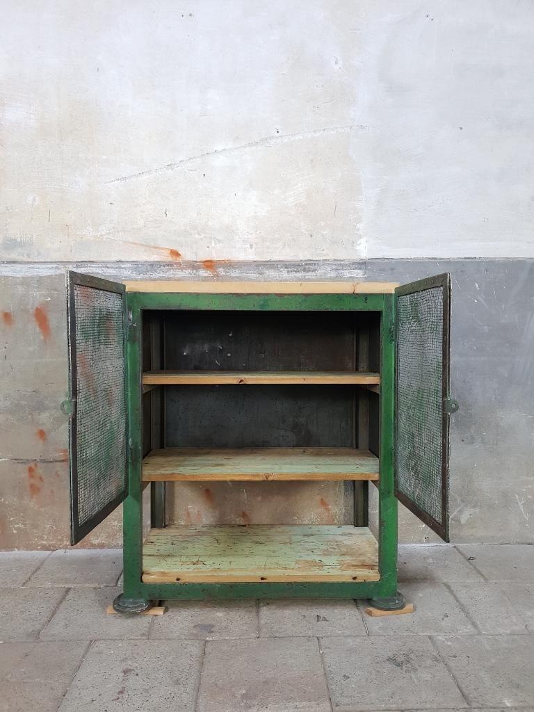 Industrieel Groen Dressoir Staal Kast Metaal Vintage