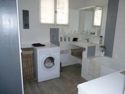 ma salle de bain aprs mur et sol - Repeindre Du Carrelage De Salle De Bain