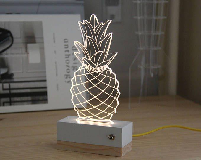 Ananas Veilleuse Plexiglas Lampe 3d Usb Idee Cadeau In 2020 Night Light Lamp Plexiglass