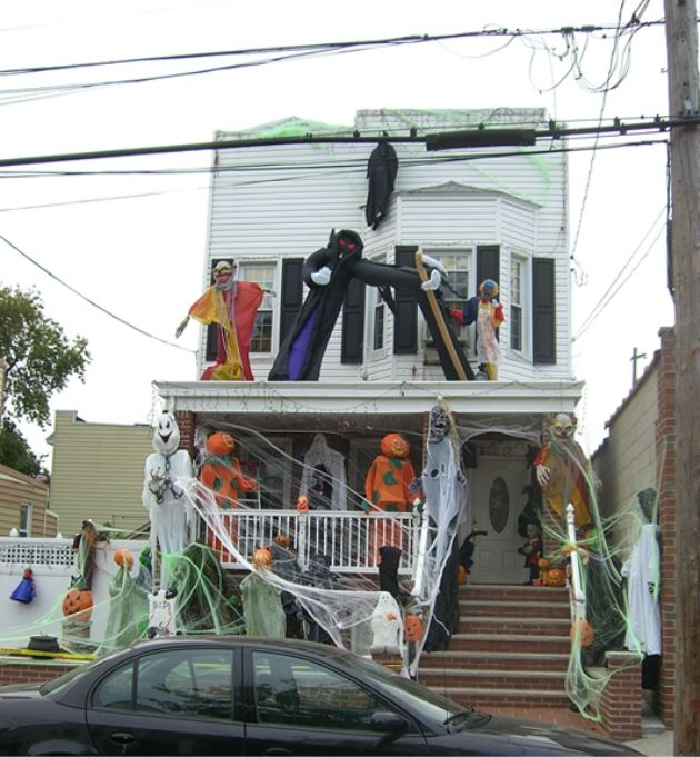 an american home decorated for halloween - Homes Decorated For Halloween