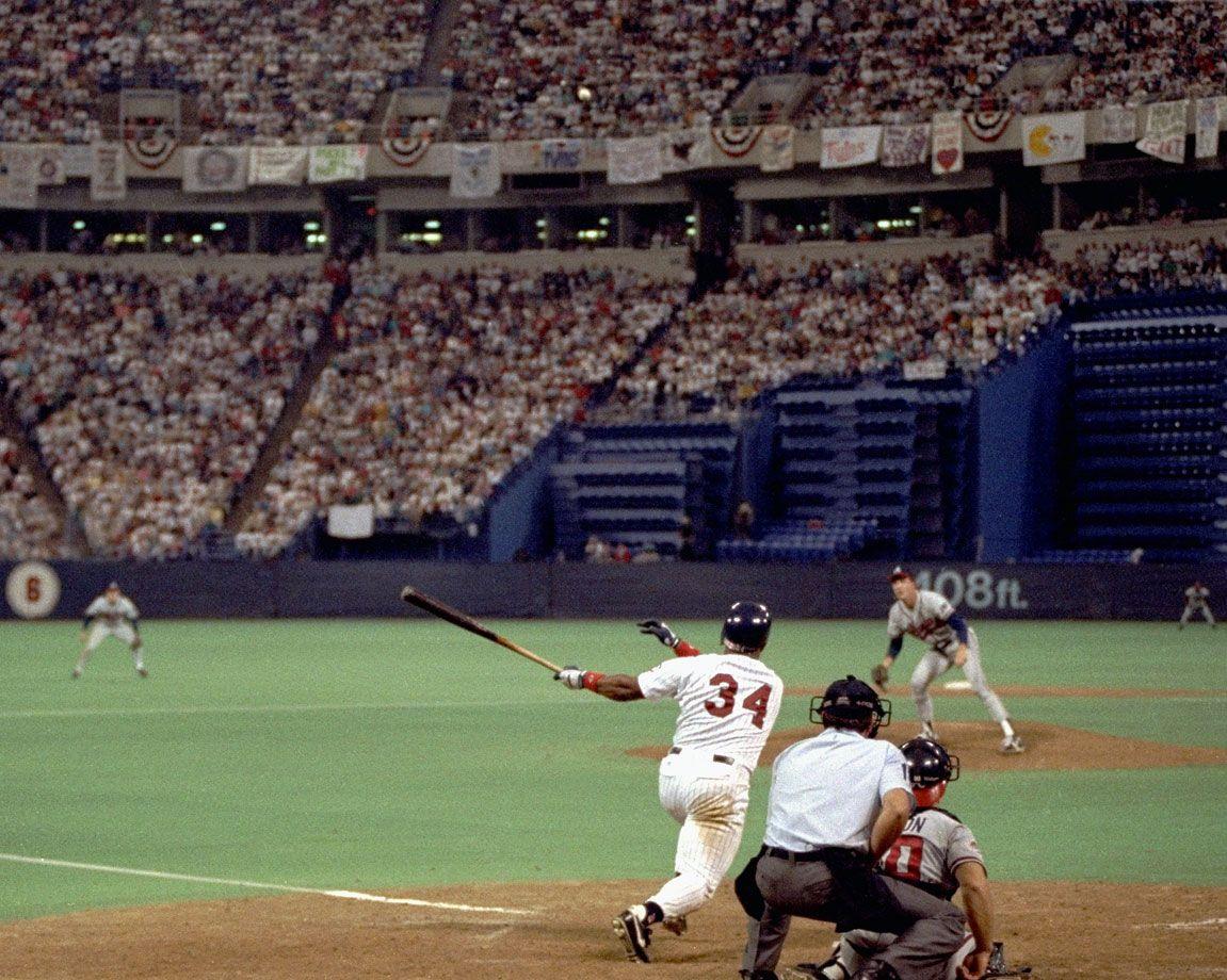 Kirby Puckett hits the gamewinning home run off Braves