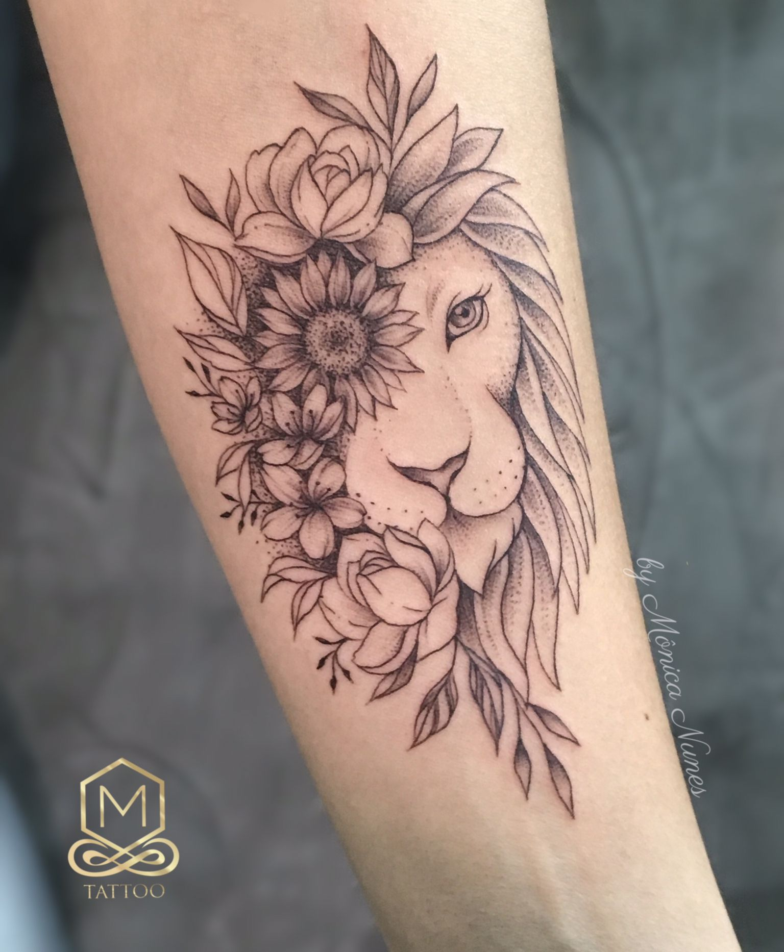 Studio m tattoo monica nunes tattoo leão lion tracos finos