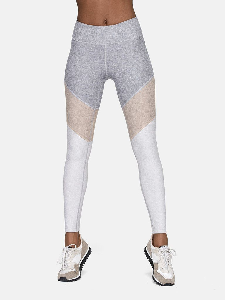 c4882ae1dbc53 Midweight ankle legging with chevron motif and hidden waistband pocket.  Prepare the trampoline.