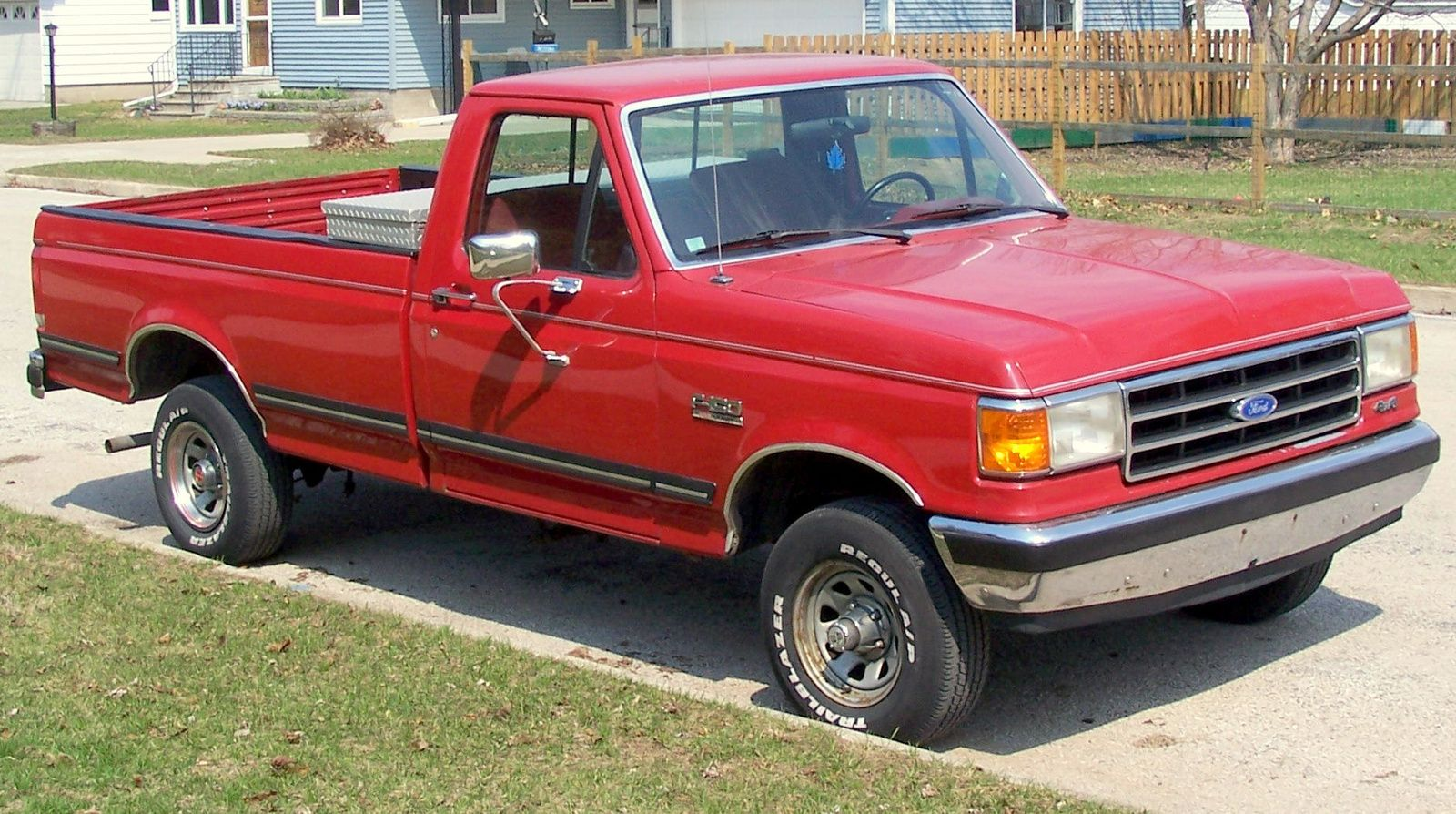 1989 ford f150 my very 1st vehicle except mine was a white extended cab with a camper shell