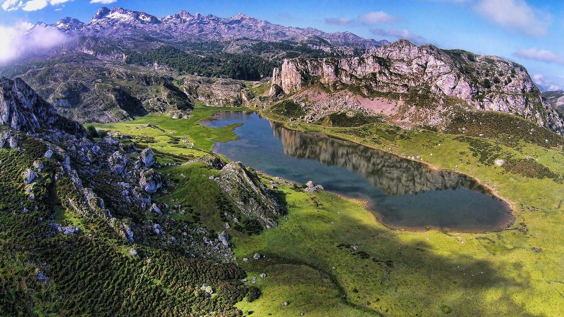 Lagos De Covadonga Picos De Europa Lagos De Covadonga Picos De Europa Imágenes De Lago