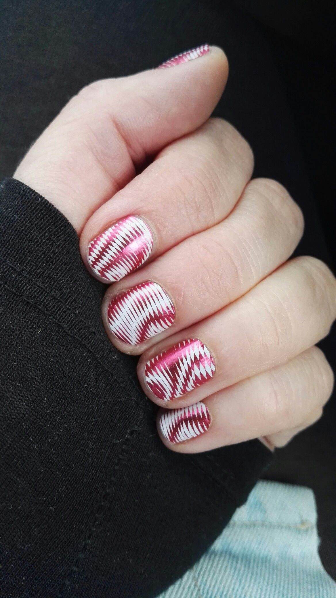 Love In a Trance nail wraps by Jamberry! Buy them here: https ...