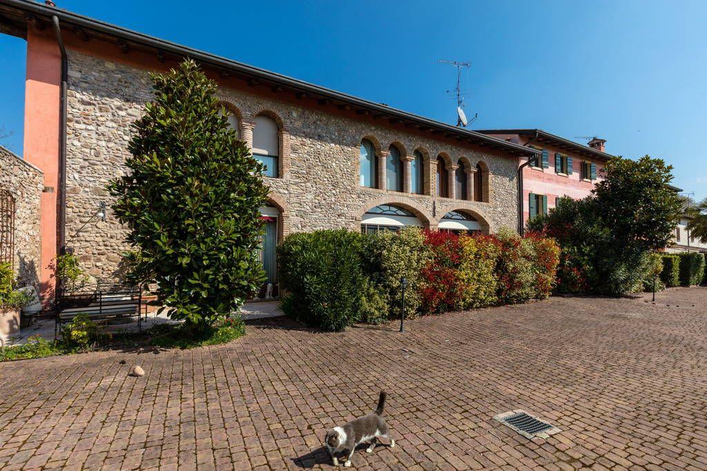 Dai un'occhiata a questo fantastico annuncio su Airbnb: Rustic Apartment 5a, nr Lake Garda - Appartamenti in affitto a Cavriana