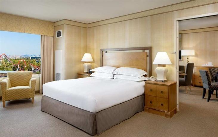 Hotel Deal Checker - Hilton Santa Clara