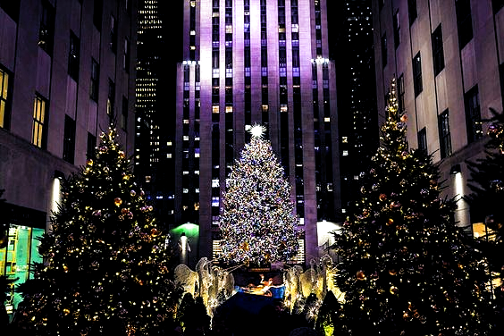 Seeing the Christmas Trees and Decorations at NYCs Rockefeller Center is always a treat! #travel #nyclandmarks #windowdisplay #holidayactivity #entertainment #entertaining #holidaystores #christmas #holiday #holidaydecor #holidaydesign #christmastree #perfectaffair #eventdesign #eventdecor