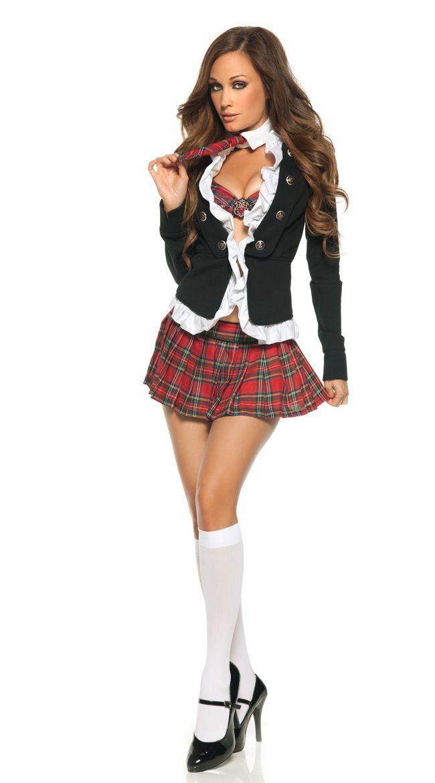 girl-sexy-school-girl-day-bar-nicole-threesome