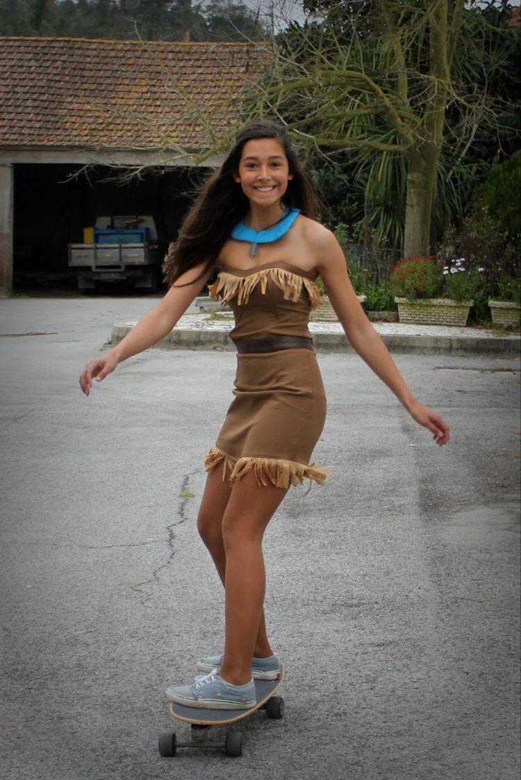 Pocahontas Kostum Fur Teenager Mit Langen Dunklen Haaren People