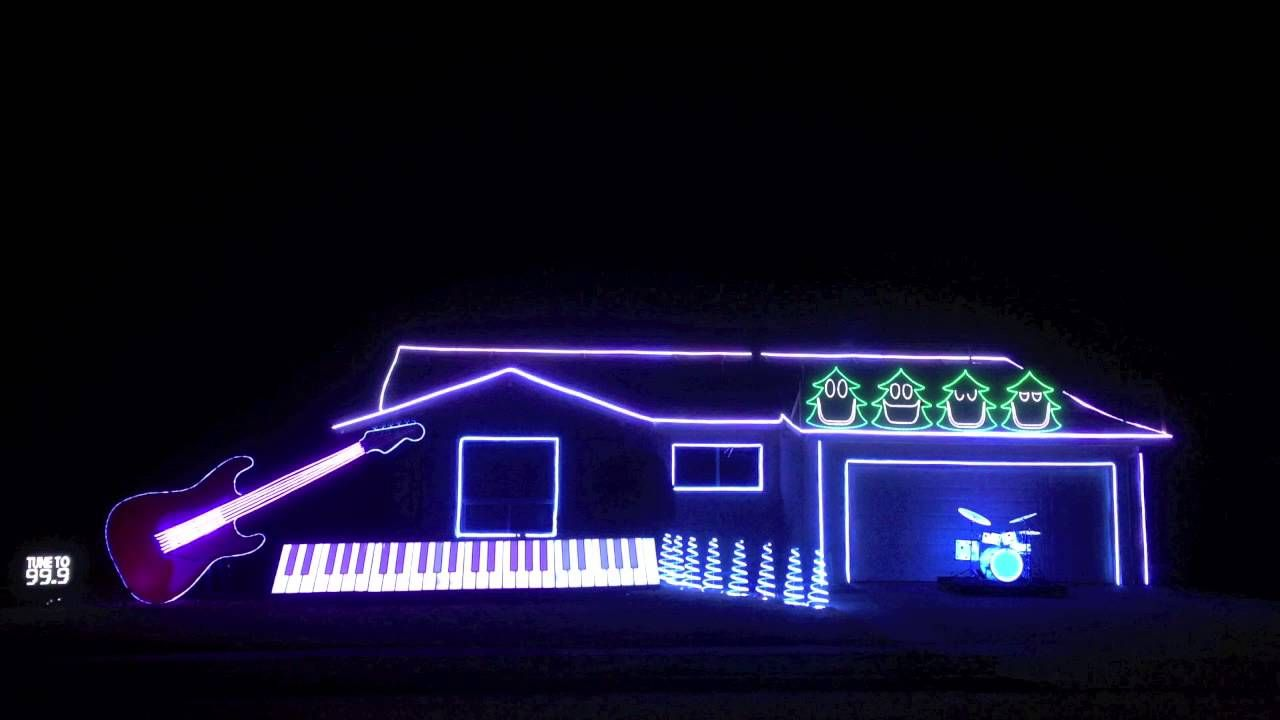 Hilarious and Amazing Christmas Light Show in Newark, California ...