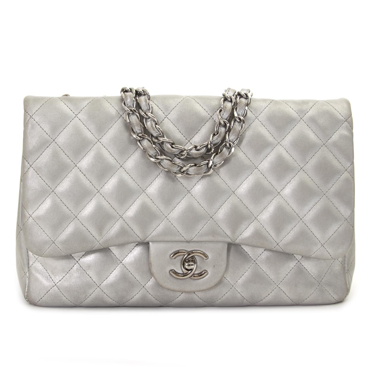 d162323c863d Chanel Jumbo Silver Quilted Metallic Lambskin Classic Flap Bag now for sale  at labellov vintage webshop.