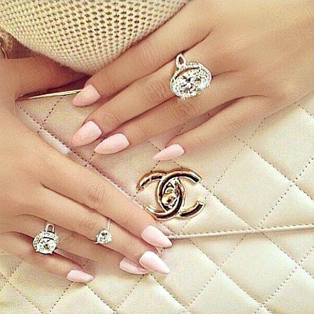 Chanel ~ Colette Le Mason @}-,-;---