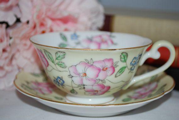 DIAMOND CHINA  Bone China Vintage Tea Cup