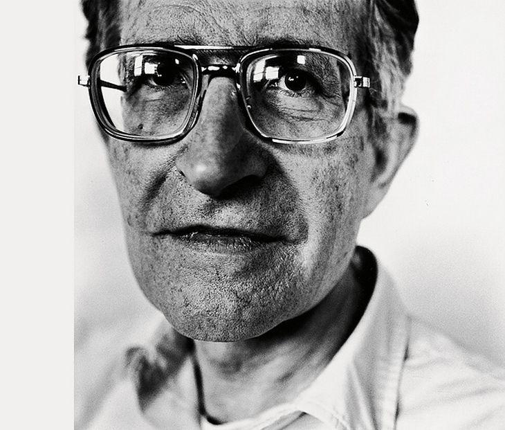 Noam Chomsky photographié par Steve Pyke