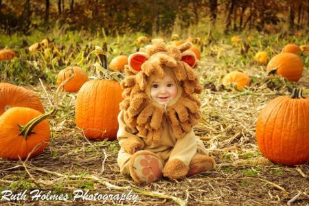 Toddler disguised as a courageous lion See more fun Halloween - fun halloween ideas