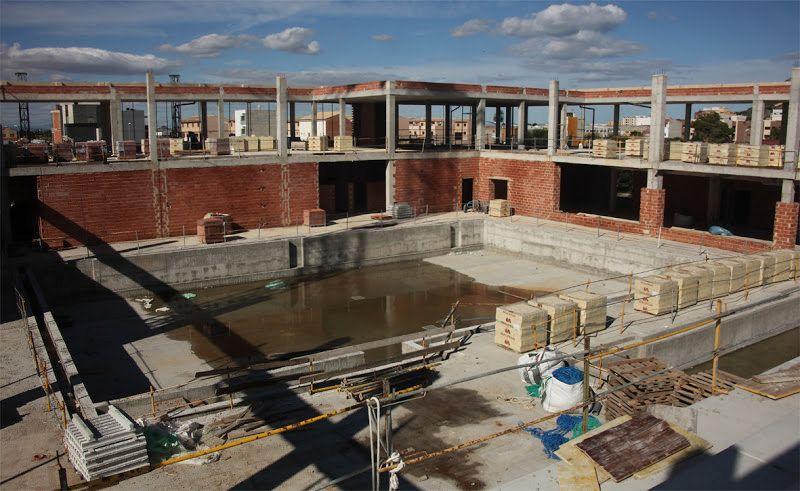 Salva la veu del Poble: El arquitecto de la piscina cifra en más de tres m...