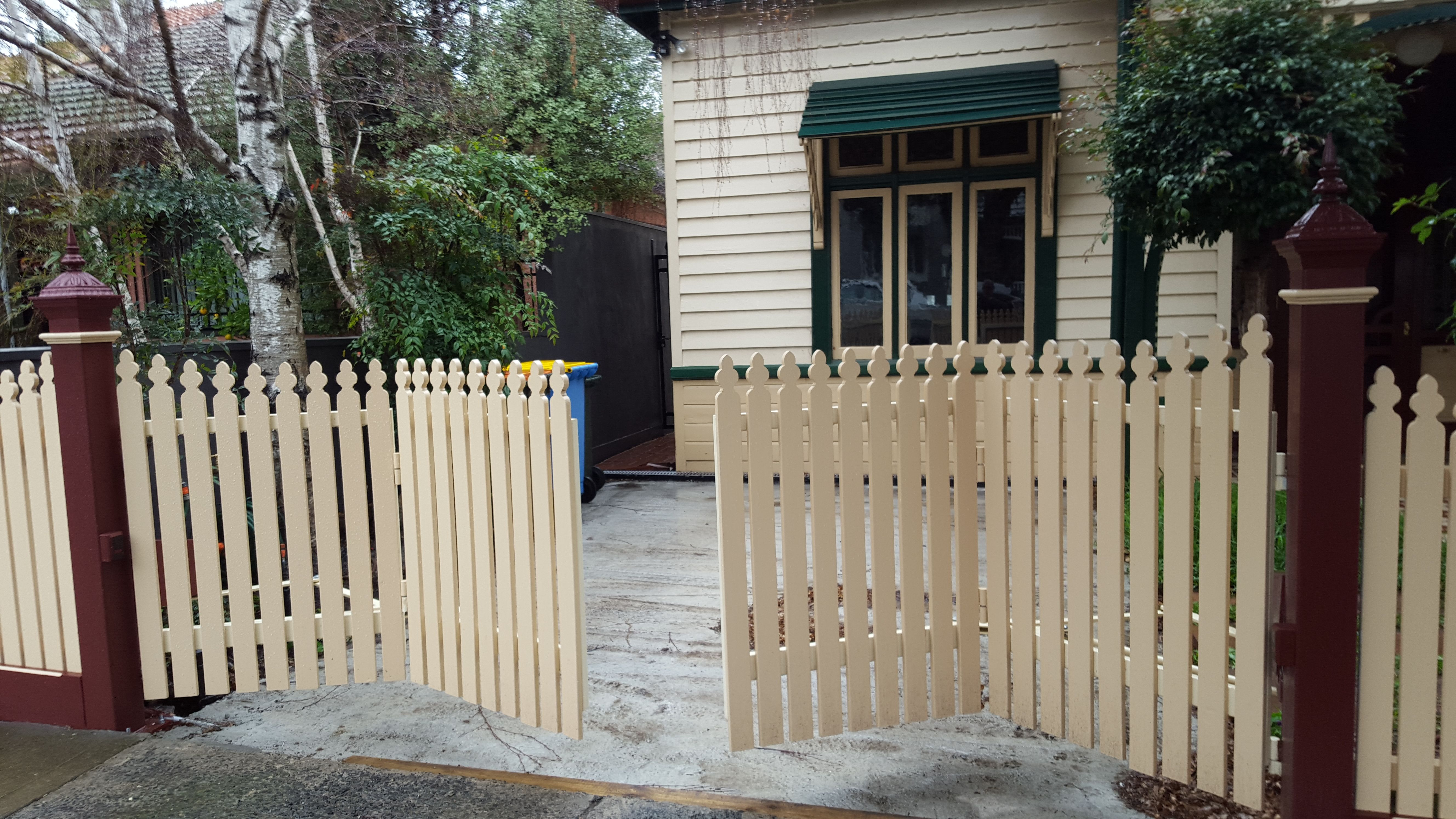 Bi Fold Trackless Automatic Gates The Motorised Gate Company Wooden Gates Driveway Driveway Gate Diy Backyard Gates
