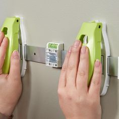 Easy Picture Hanging System by Hangman Products
