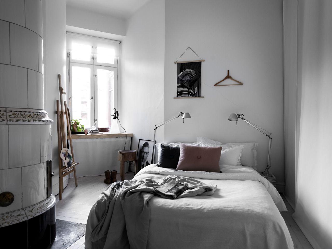 Bedroom with kakelugn