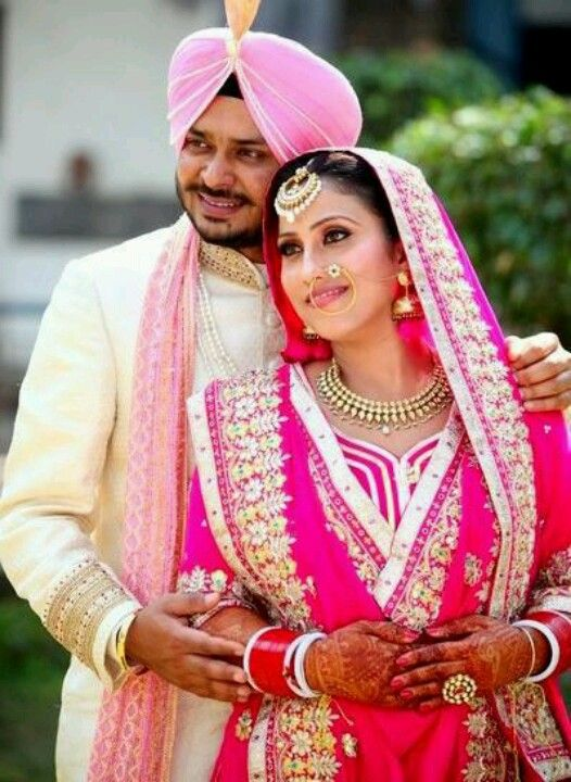 Beautiful couple | Sikhpoint.com | Indian wedding couple