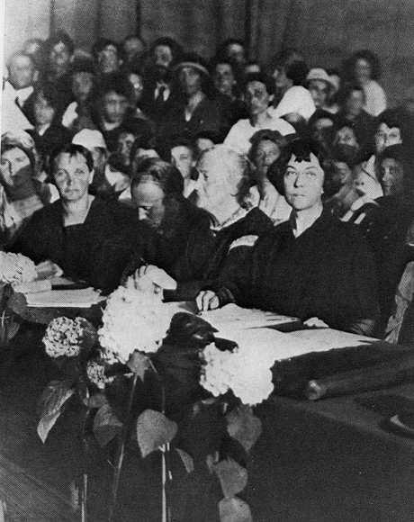 1921 Alexandra Kollontai With Clara Zetkin At The International
