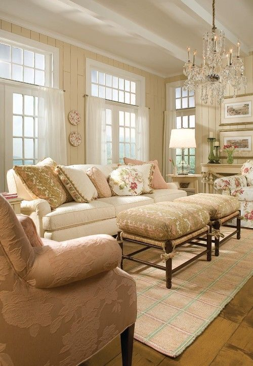 Charmant Soft And Pretty Living Room