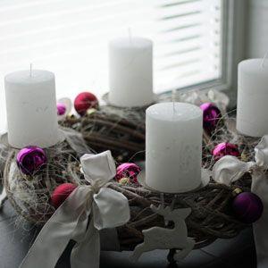 moderner adventskranz in beerent nen und weiss depot. Black Bedroom Furniture Sets. Home Design Ideas