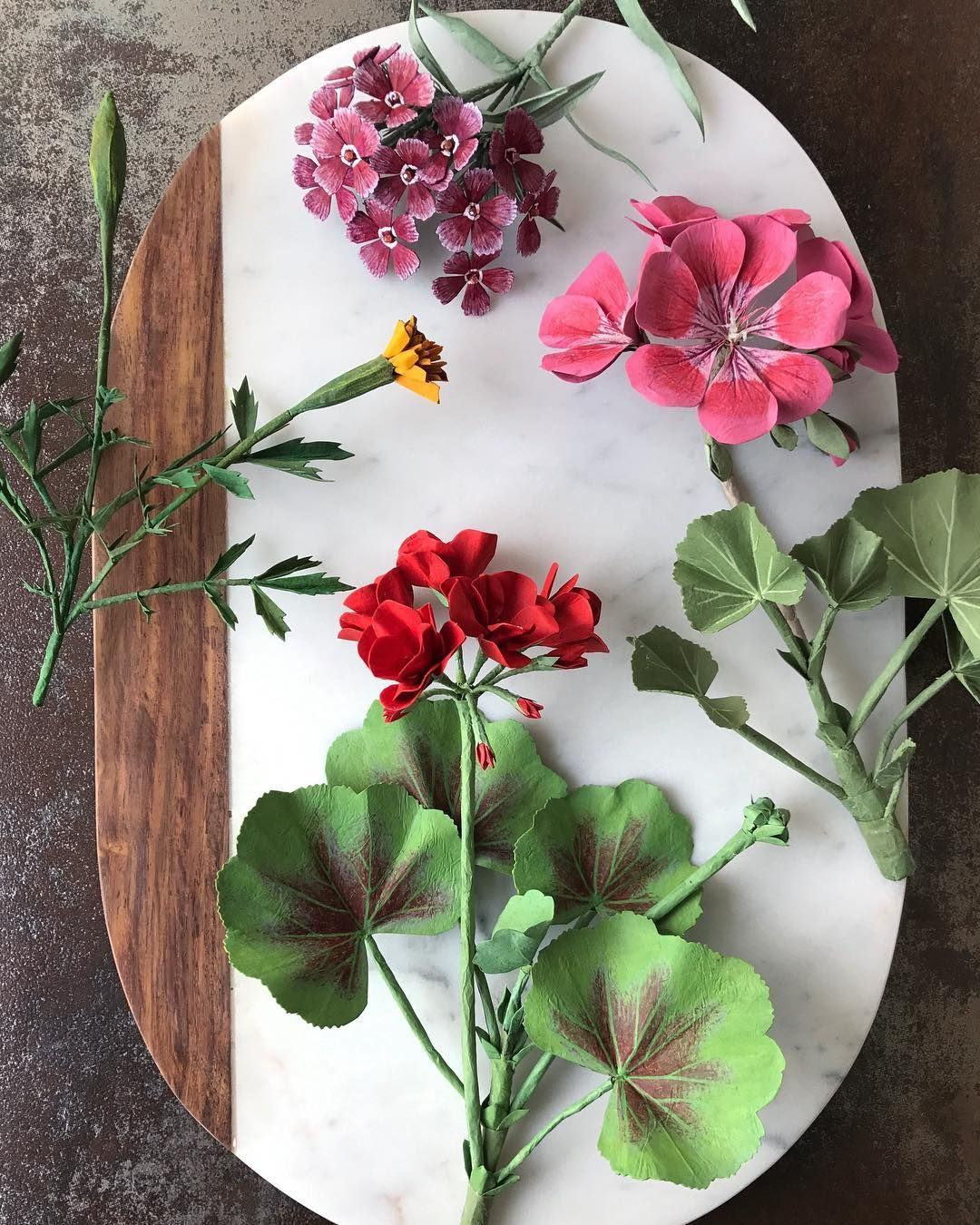 2 359 Likes 125 Comments Ann Wood And Dean Lucker Woodlucker On Instagram A New Paper Red Geranium Added To This Grouping Of Paper Garden Flowers Arte