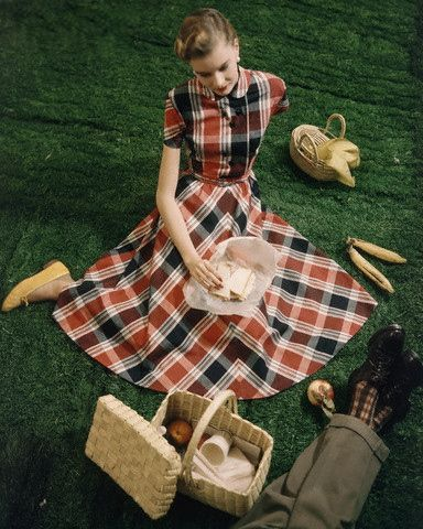 c0a4c7cb552 Plaid summer picnic dress late 40s early 50s red white black circle skirt  casual day wear